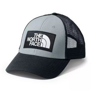 NWT The North Face Mudder Trucker Snapback